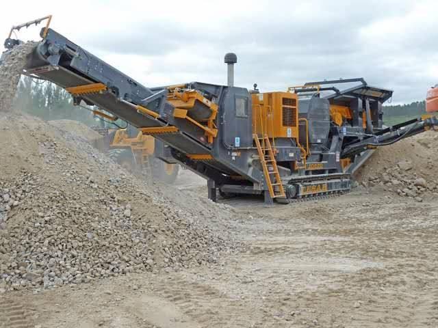 适合狭窄场地工作恒力机械移动智能制沙机 运输方便,配备多功能